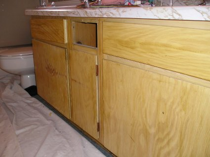 crackle paint on kitchen cabinets crackle painting how to crackle paint in four steps 14167