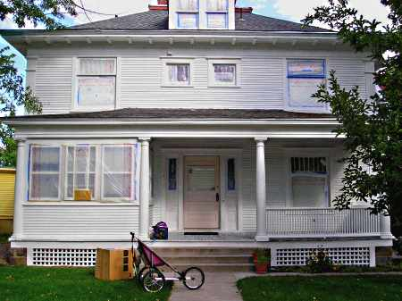 Tips for Painting Exterior Trim - The Practical House Painting Guide