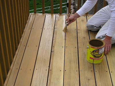 Staining a Redwood Deck