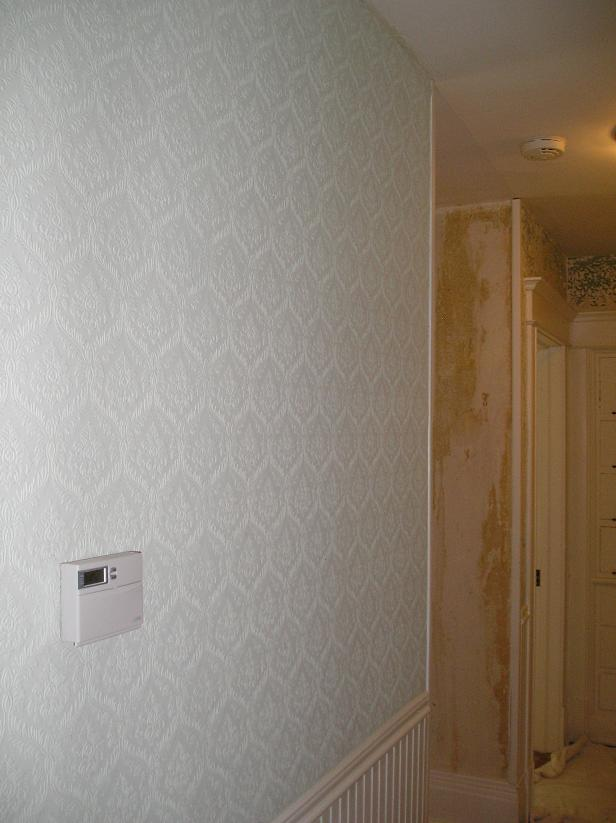 Painting over wallpaper, primed wallpaper.