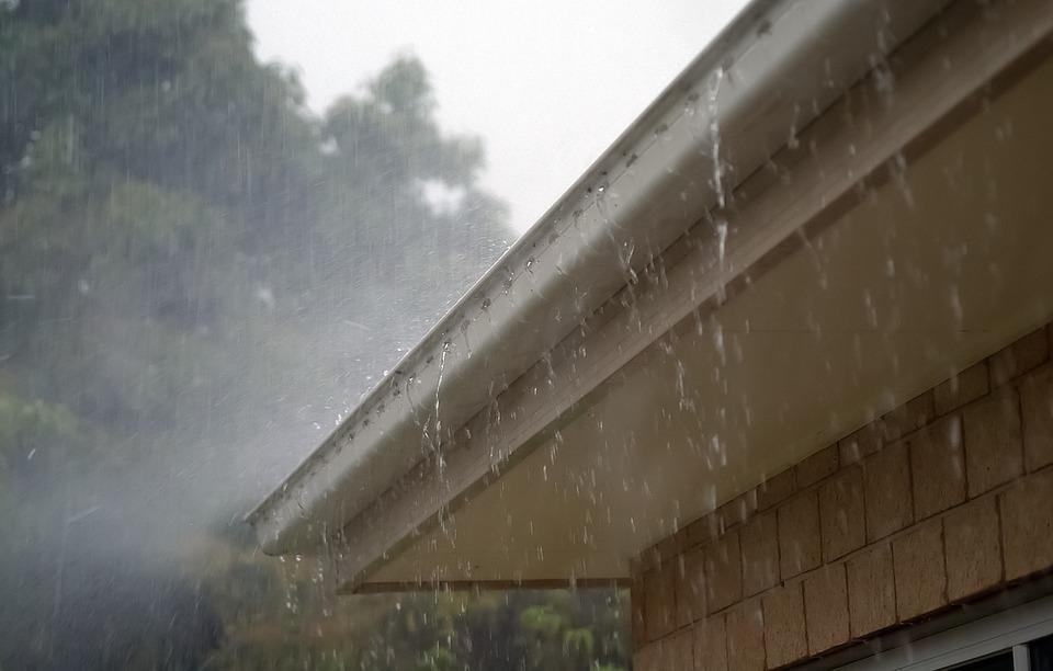 rain-gutters-overflowing