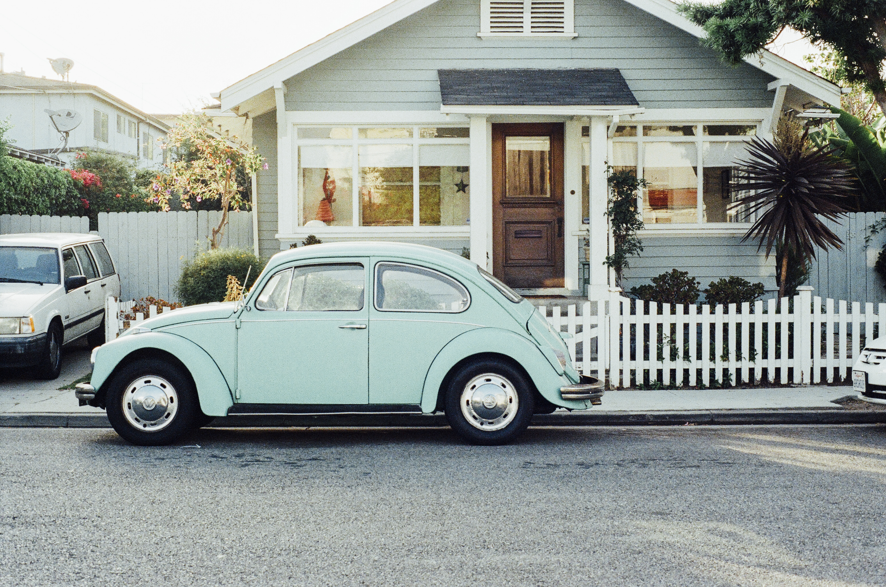 3 Considerations When Choosing Exterior Paint Colors