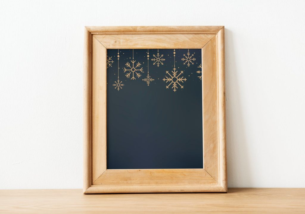 Decorating Your Walls For The Holidays